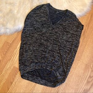 Wilfred Free   heathered gray top